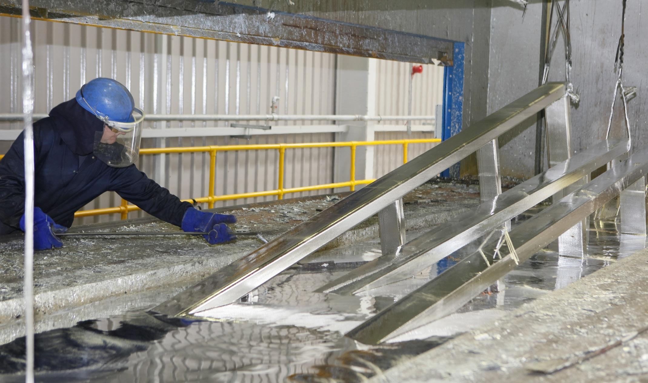 Hot-dip-galvanizing-in-action
